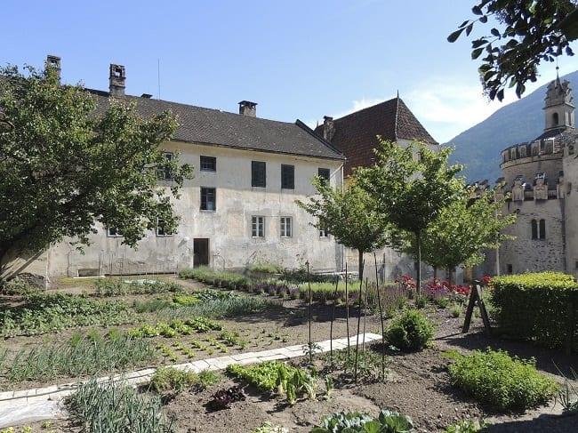medieval garden monastic garden